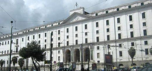 napoli-real-albergo-dei-poveri-palazzo-fuga-750x400