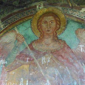 Anonimo maestro, San Michele Arcangelo, XIV sec., affresco rupestre ritrovato in una grotta nei pressi del castello cittadino